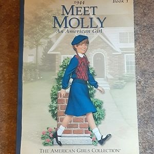 "American Girl ""Meet Molly"" Children's Softcover Bo"